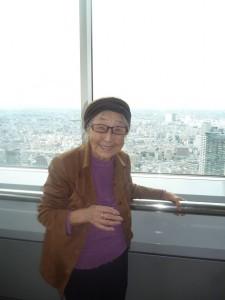 都庁の45階展望台で記念撮影